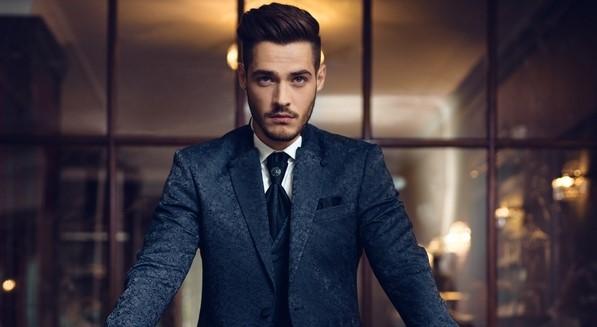 δυναμικός άντρας φοράει κοστούμι άνδρες κακοί σύζυγοι