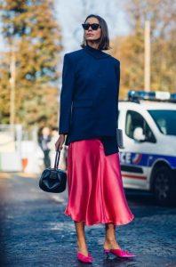 φουξ midi φούστα μαύρο σακάκι tips γυναίκες άνω 40