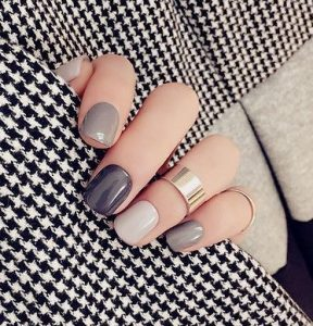 γκρι νύχια