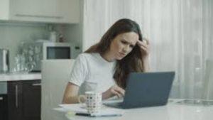 γυναίκα δουλειά laptop
