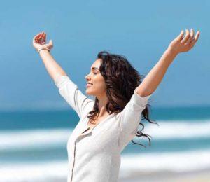 γυναίκα θάλασσα θετική σκέψη