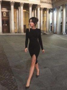 μαύρο μακρυμάνικο φόρεμα σκίσιμο