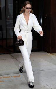 ολόσωμη άσπρη φόρμα μοντέρνο ντύσιμο