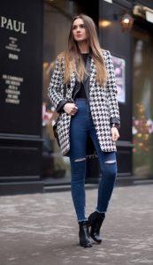 παλτό με ασπρόμαυρα σχέδια