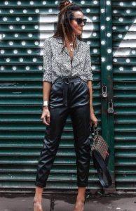 ψηλόμεσο μαύρο δερμάτινο παντελόνι μοντέρνο ντύσιμο