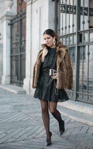 φόρεμα με γούνινο παλτό