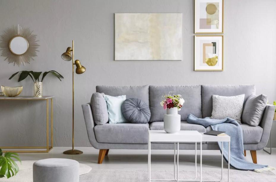 τακτοποιημένο σαλόνι γκρι καναπές διακοσμήσεις σαλόνι τύχη