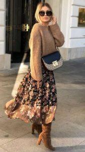φλοράλ φούστα μπεζ πλεκτό μπεζ μπότες