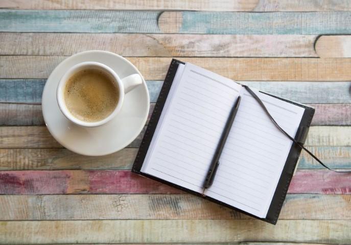 ημερολόγιο και καφές