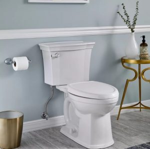 κλειστό καπάκι τουαλέτας γαλάζιο μπάνιο