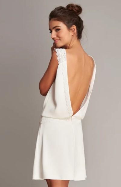 λευκό φόρεμα άνοιγμα πλάτη μαζεμένα μαλλιά