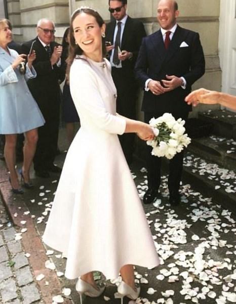 midi λευκό φόρεμα μακρύ μανίκι