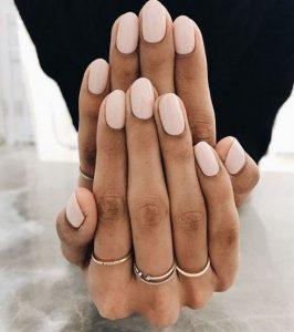 nude ανοιχτόχρωμα νυχια