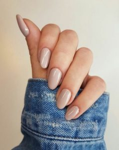 nude μπεζ ροζ νύχια