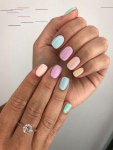 πολύχρωμα νύχια παλ χρώματα