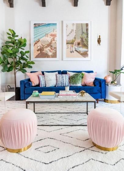πολύχρωμο σαλόνι χρωματιστά μαξιλάρια