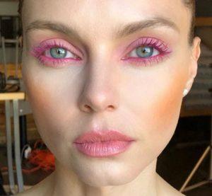 ροζ μάσκαρα