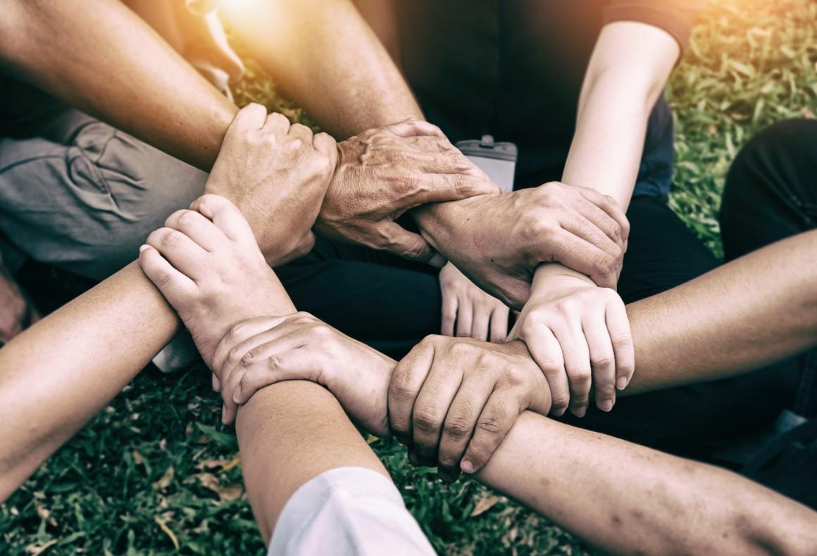 7 παράγοντες αυτοβελτίωσης που πρέπει να γνωρίζεις, σε ποιες σχέσεις να επενδύσεις και ποτε να αφήσεις πίσω μια σχέση