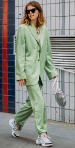 ανοιχτό πράσινο κουστούμι