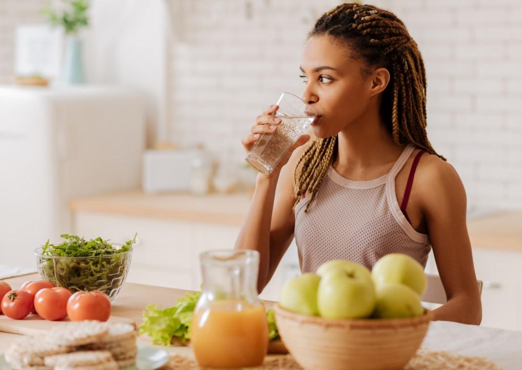 μένουμε σπίτι και φροντίζουμε τη διατροφή και την υγεία μας