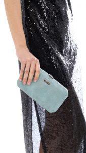 γαλάζια τσάντα βραδινό ντύσιμο