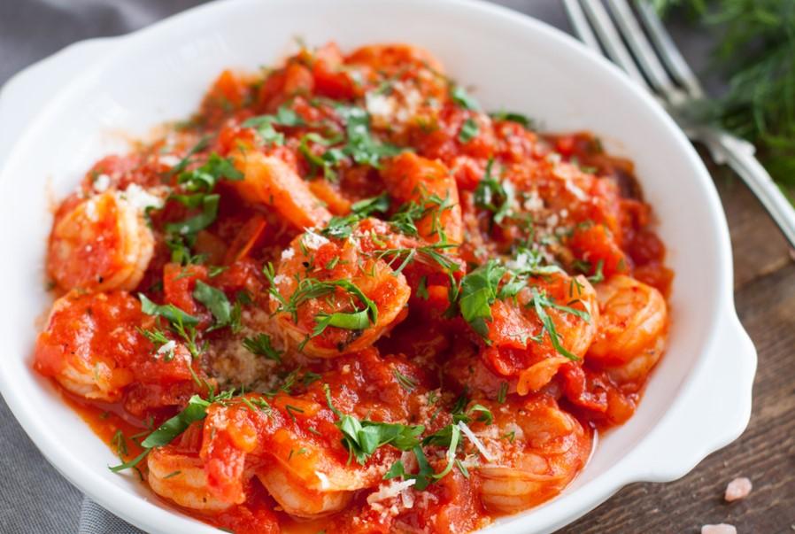 Νηστισιμες συνταγές με θαλασσινά, γαρίδες με σάλτσα ντομάτας