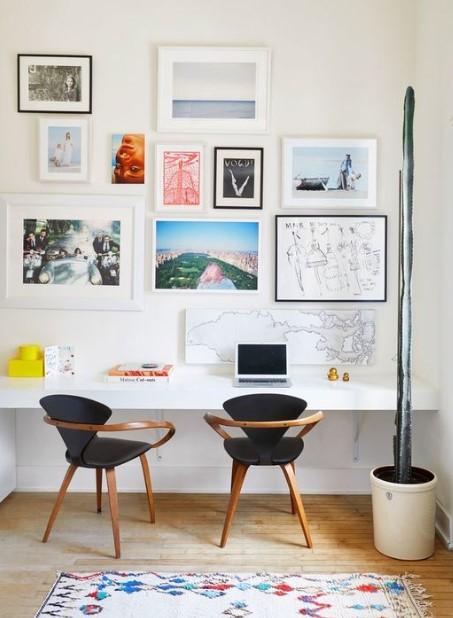 γραφείο τοίχος με πολλούς πίνακες