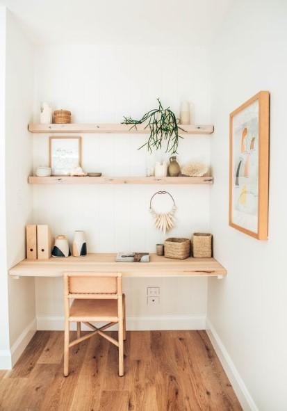 ξύλινο γραφείο ράφια