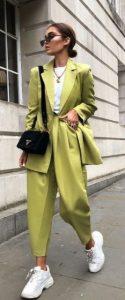 λαχανί γυναικείο κουστούμι