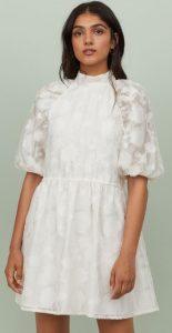 λευκό κοντό φόρεμα με φουσκωτά μανίκια