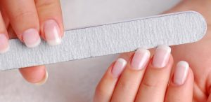 λίμα νύχια γαλλικό μανικιούρ