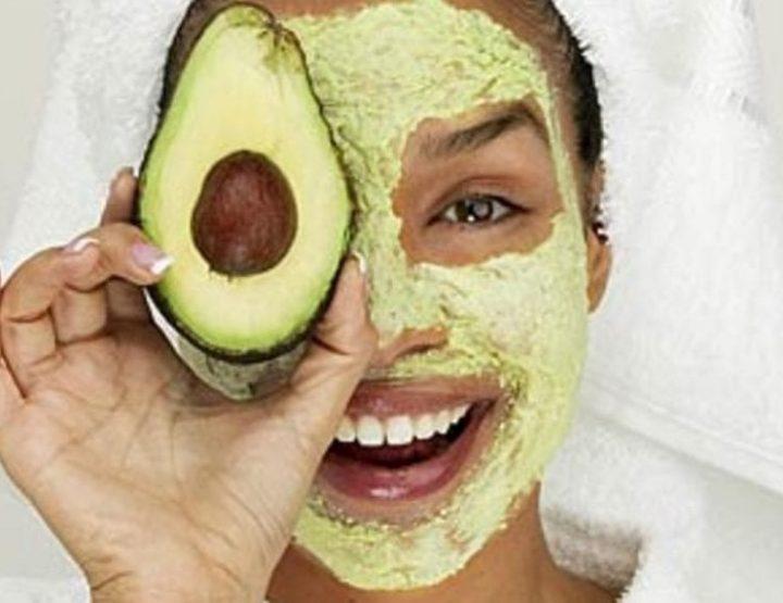 3 Σπιτικές DIY μάσκες προσώπου για ενυδάτωση!