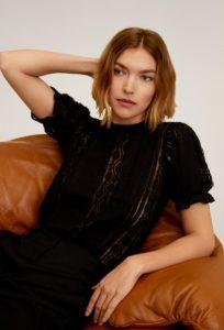 μαύρη μπλούζα με διαφάνεια
