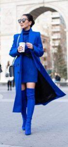 μπλε ιεκτρίκ χρώμα ρούχα