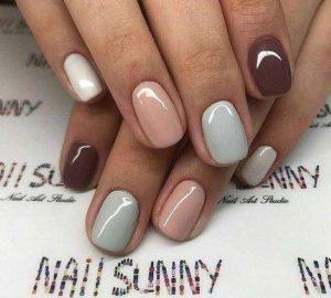 nude νύχια
