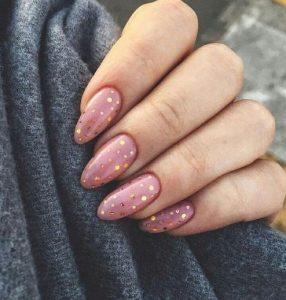 ροζ νύχια με βούλες