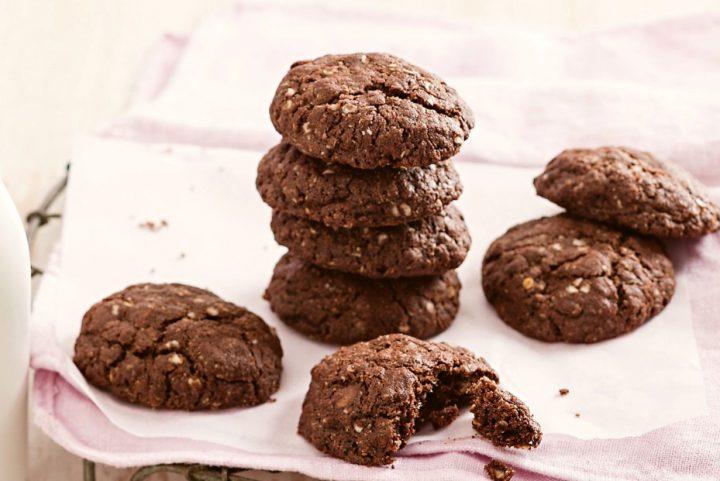 2 Εύκολες και νόστιμες συνταγές για σοκολατένια γλυκά!