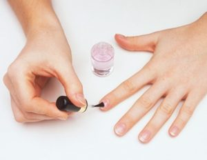 βερνίκι άχρωμο θεραπεία νύχια