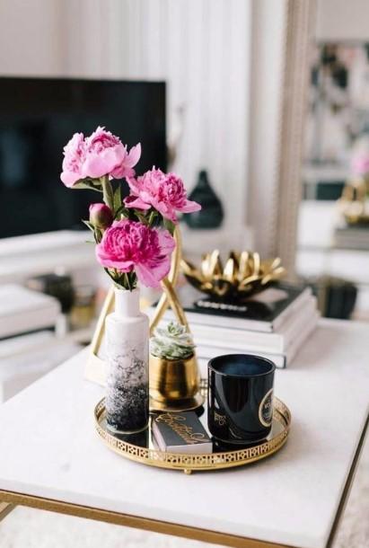 χρυσός στρογγυλός δίσκος βάζο κεριά