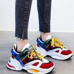 χρωματιστά sneakers