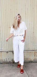 άσπρο γυναικείο ντύσιμο