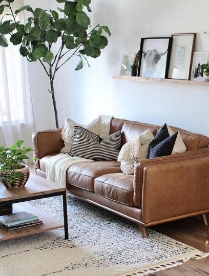 καφέ δερμάτινος καναπές σαλονιού