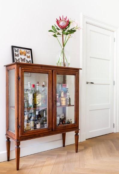 vintage ξύλινο ντουλάπι