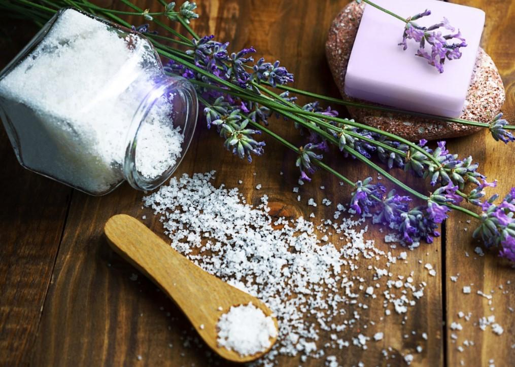 Scrub με θαλασινό αλάτι για το σώμα