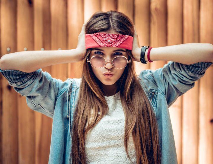 9 Τρόποι για να φορέσεις μια μπαντάνα το καλοκαίρι!