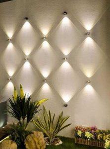 φωτάκια τοίχου στη βεράντα