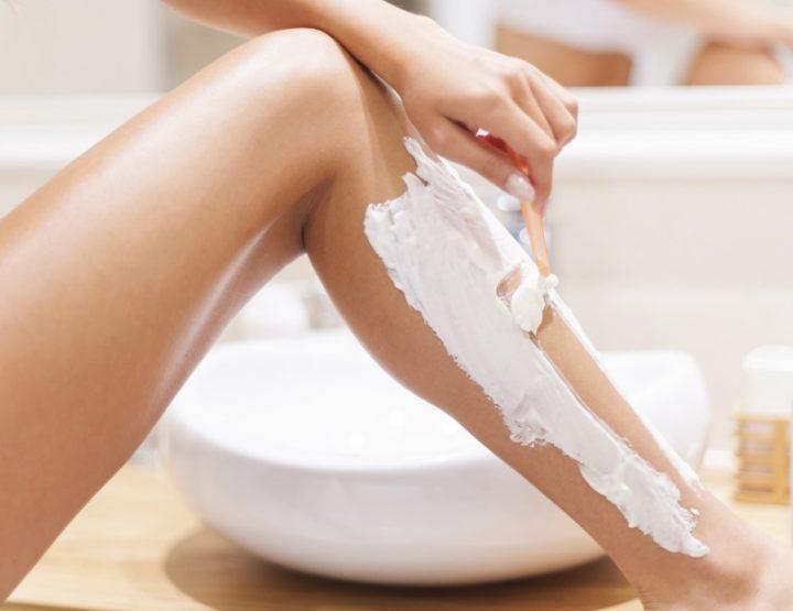 Πώς να πετύχεις το τέλειο ξύρισμα ποδιών βήμα βήμα!