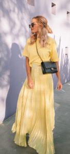 κίτρινο καλοκαιρινό ντύσιμο