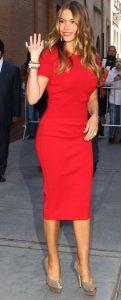 κόκκινο κομψό φόρεμα