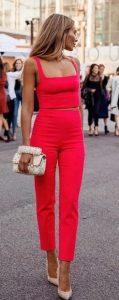 κομψό κόκκινο ντύσιμο